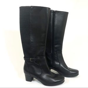 Clarks Women's Black Leather Boots size 7